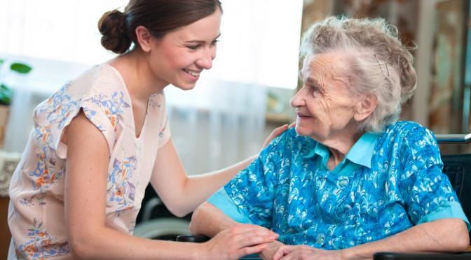 Stadig flere eldre kjøper pleie og omsorg