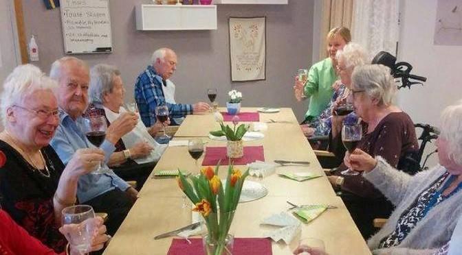 Luksuslunsj i svenske aldershjem