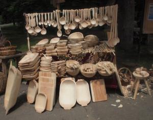 Utstilling av håndlagde trearbeider