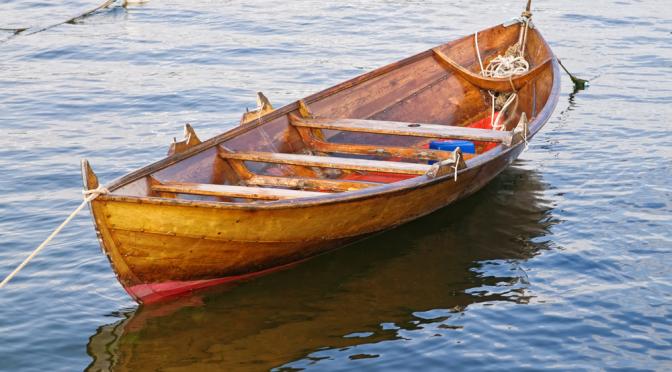 Nå lukter det maling og lakk i våre båthavner